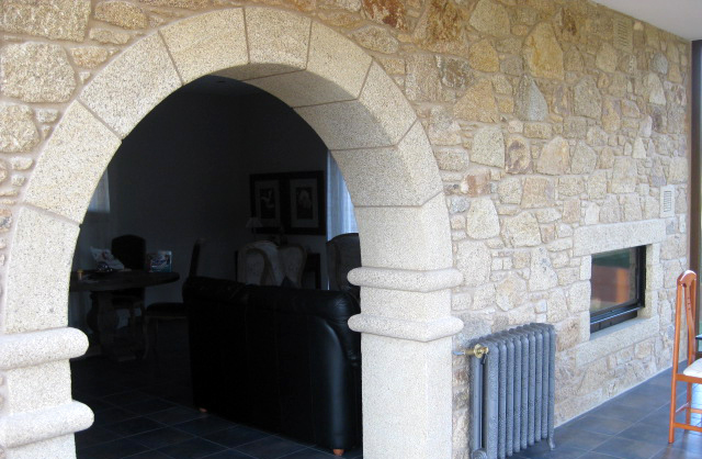 Interior cladding with natural stone